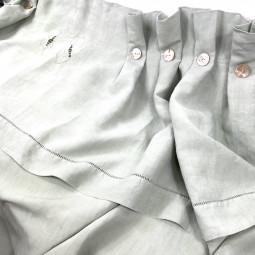 Rideau couture brodé monogramme CS vert céladon - Villa Farese